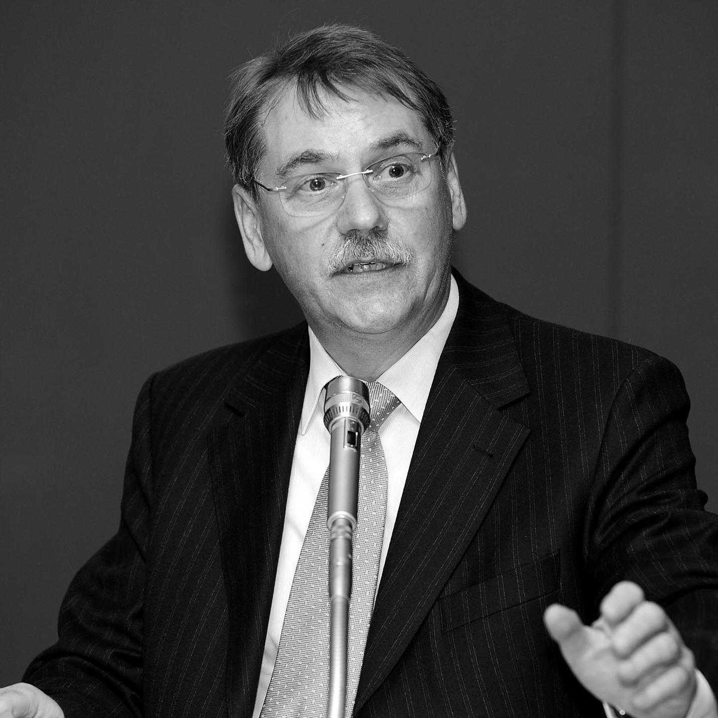Dr. Peter Römisch | Vorsitzender