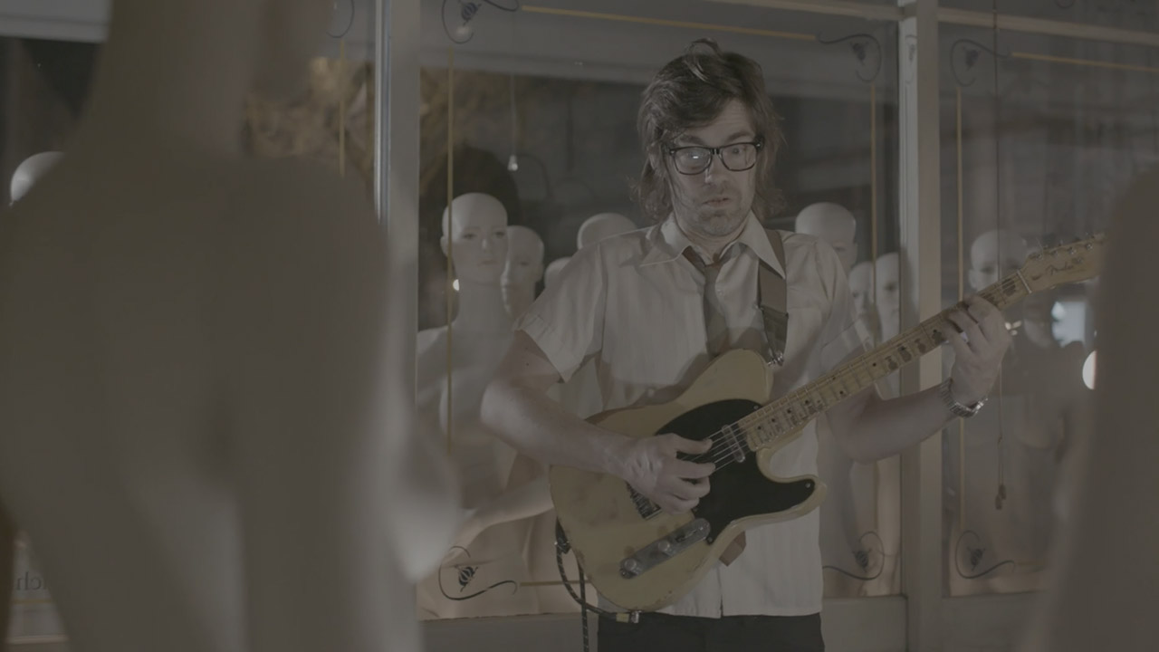 CREATIVE - video