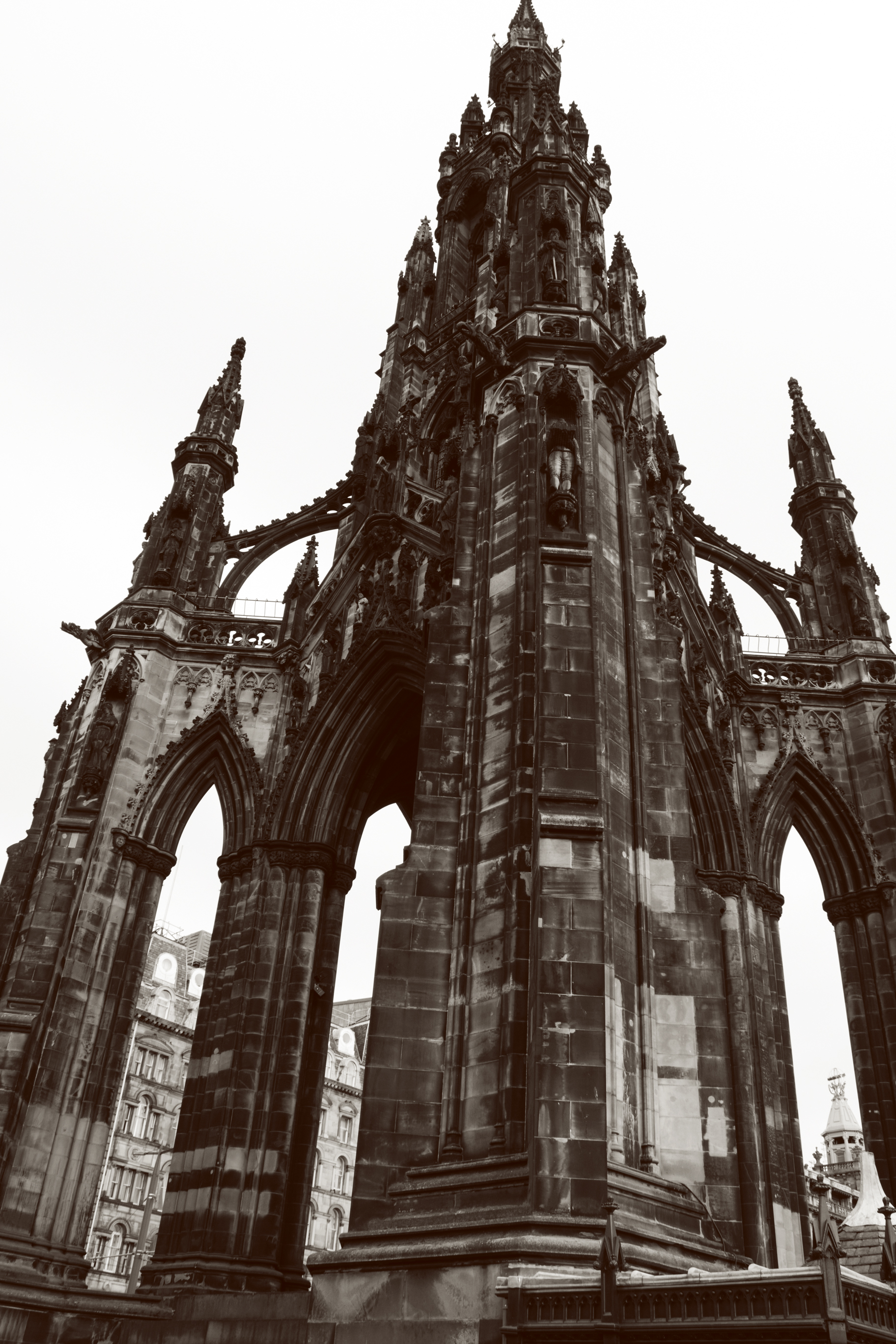 Edinburgh_scotmonument.jpg