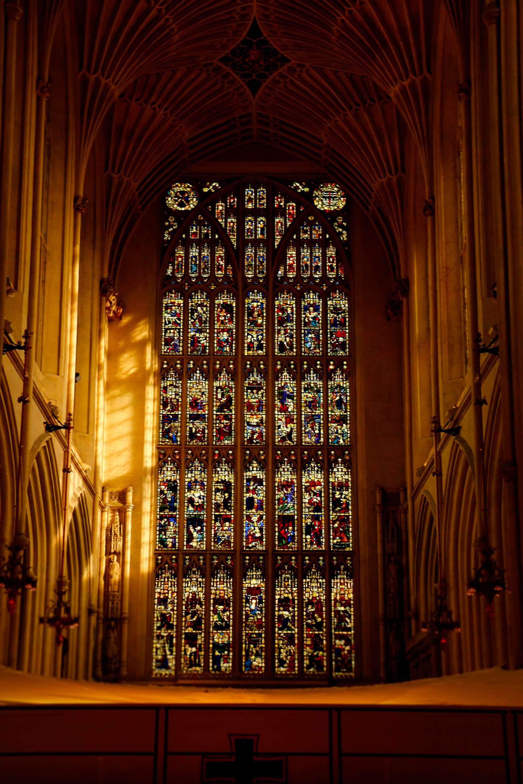 bath-abbey_interior3_web.jpg