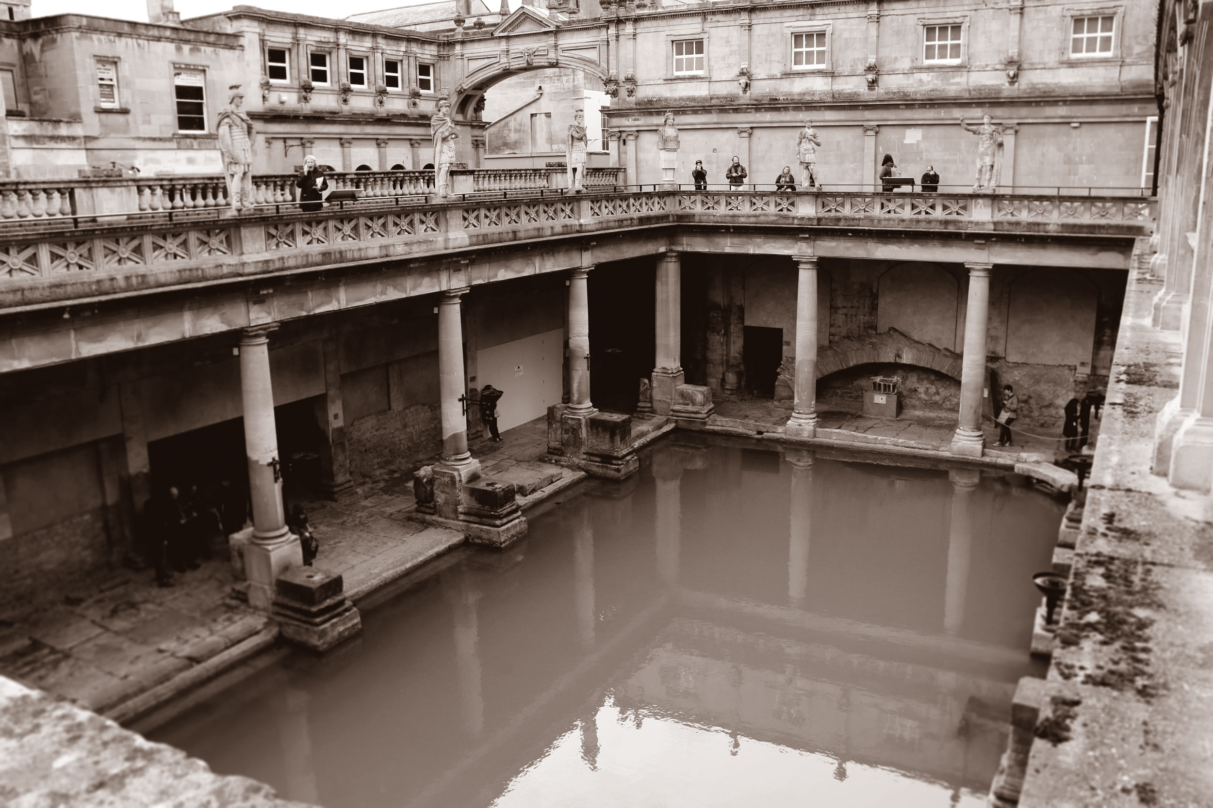 Roman-Bath_duo_web.jpg
