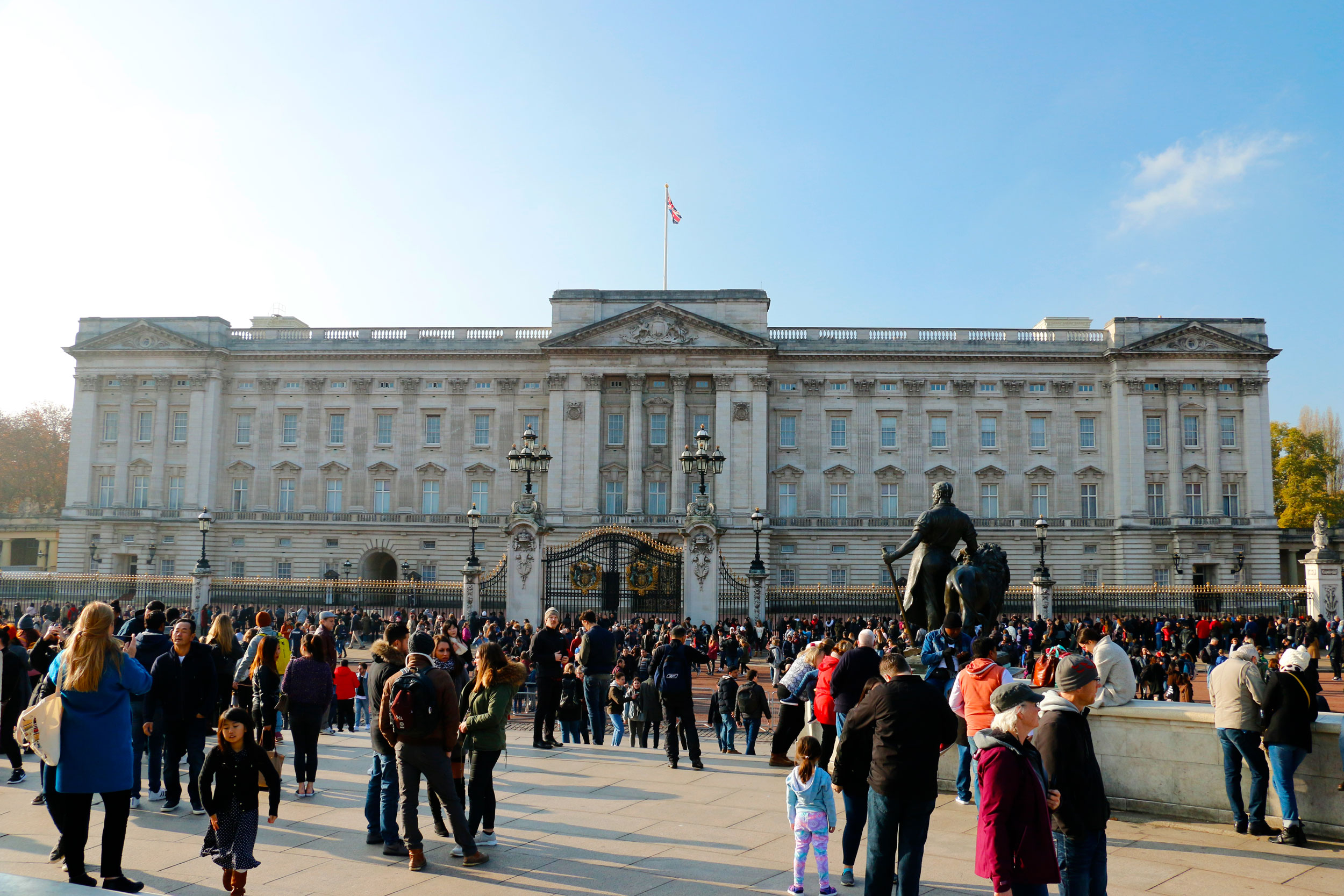 buckingham-Palace_web.jpg
