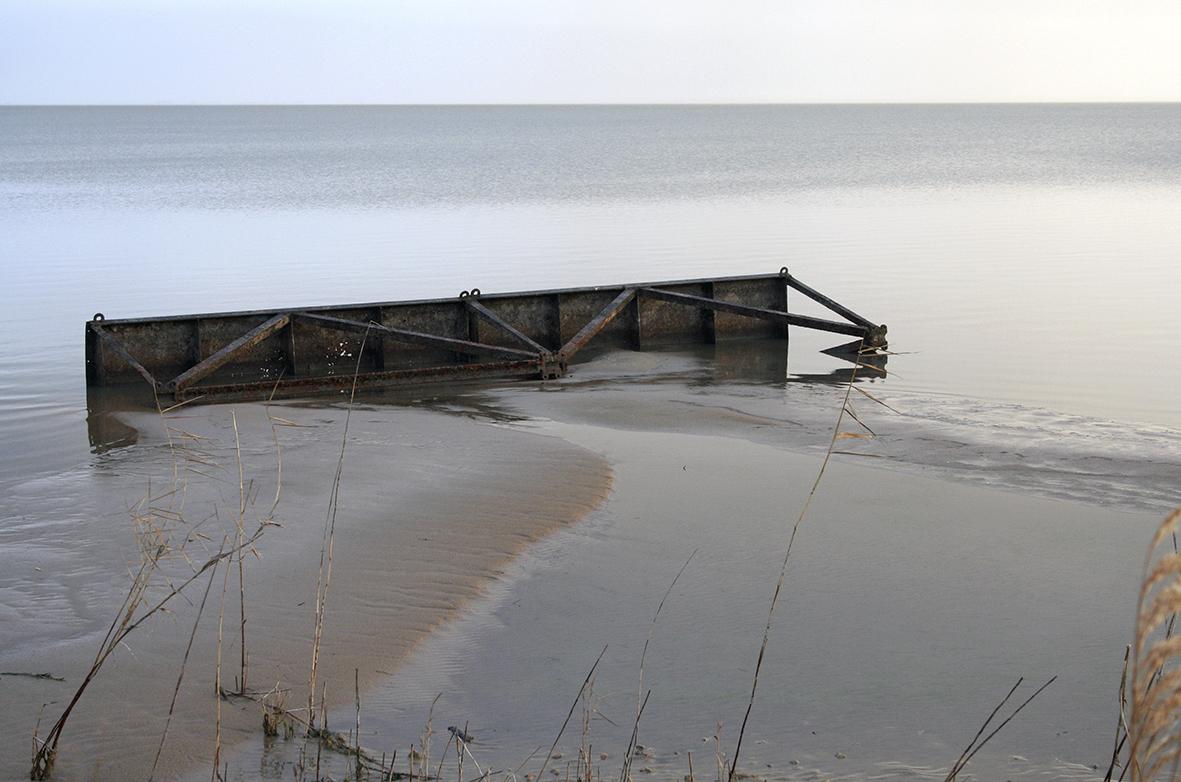 44 Metal Detritus - Lake Albert 2009.jpg
