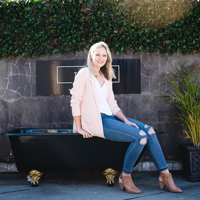 It's Friday! Heading into this weekend and looking forward to a) RELAXING (yes I probably will be taking a bubble bath 🛁 at some point although mine isn't as cool as this one) and b)? ⁠ ⁠ Spending time with dear family and friends at a special event on Sunday! 💕⁠ ⁠ What are YOU up to this weekend?⁠ ⁠ X⁠ Kelsey and Luke