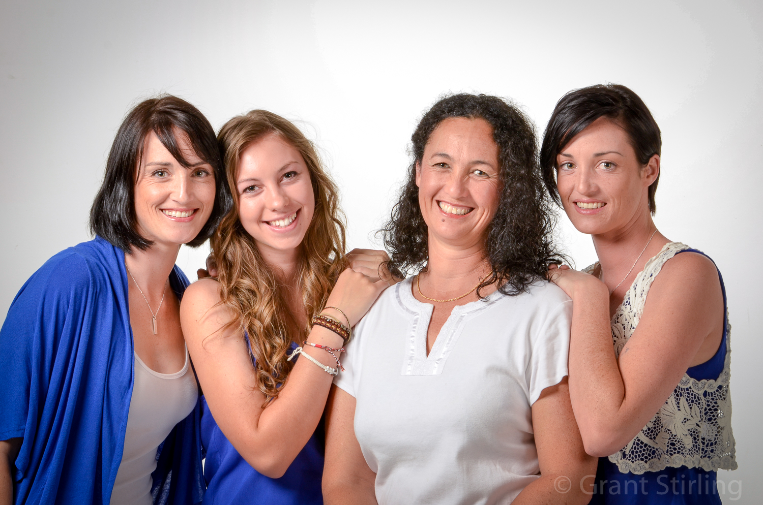 3 daughters & Mum-9759.jpg