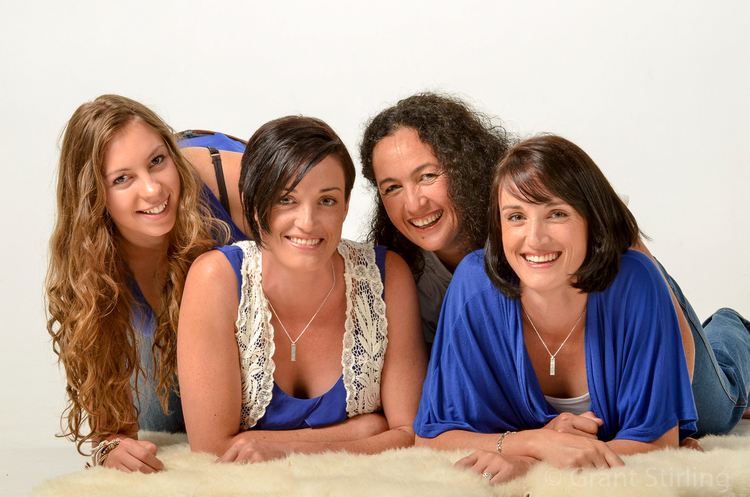 3 daughters & Mum-9792.jpg