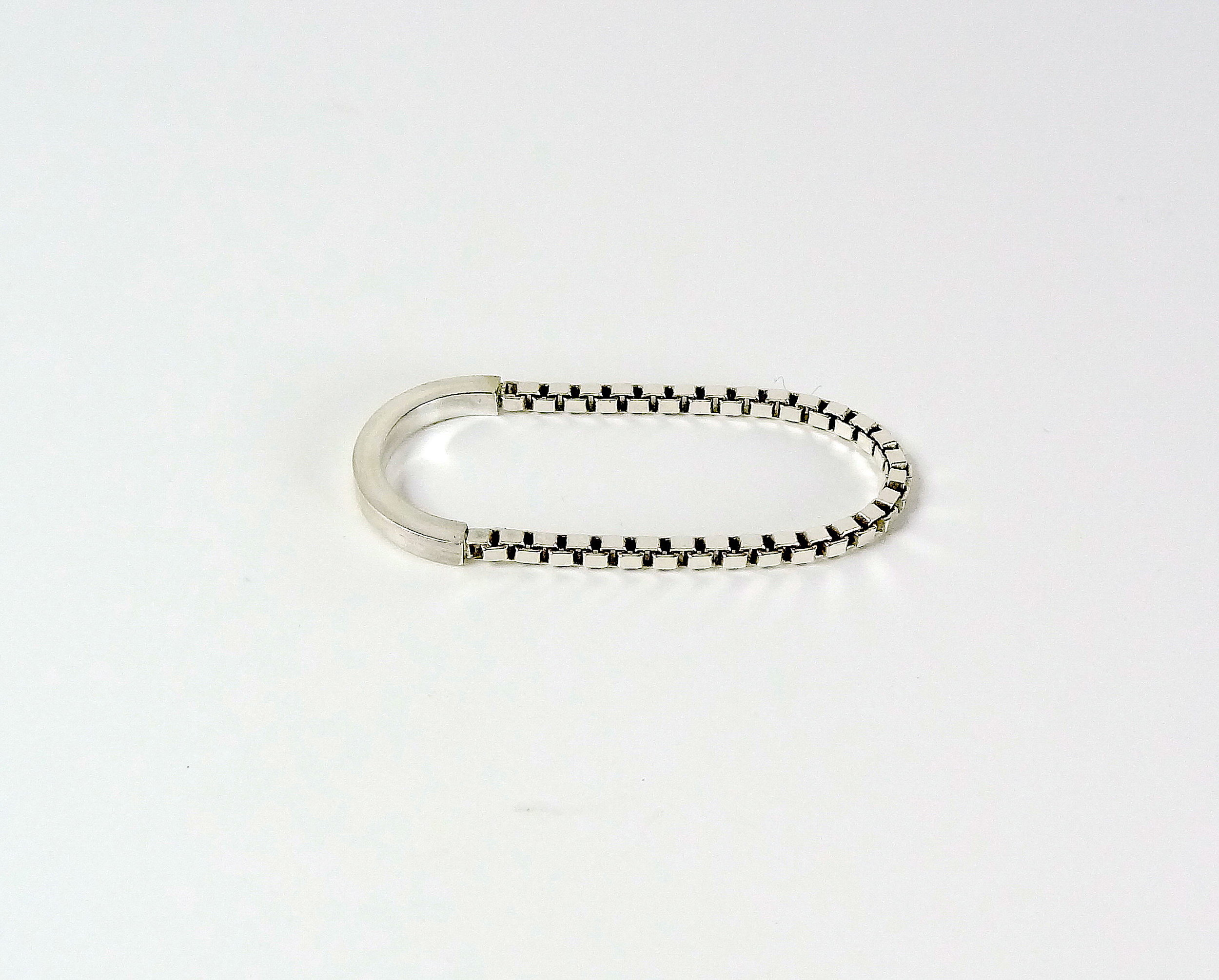 ring two fingers chain and wire straight.JPG