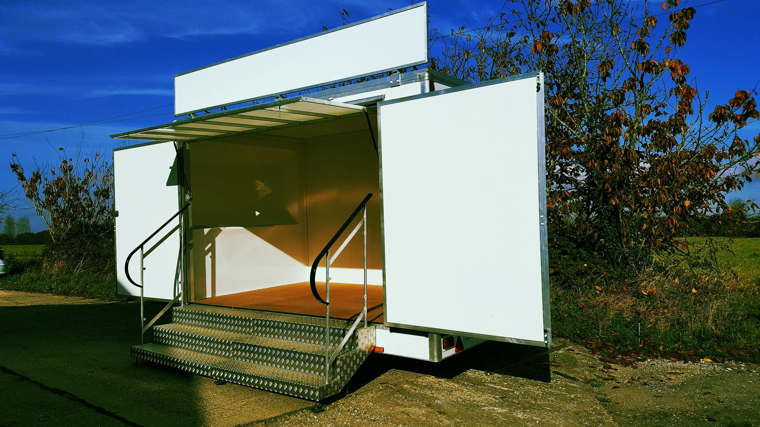 exhibitiontrailer.jpg