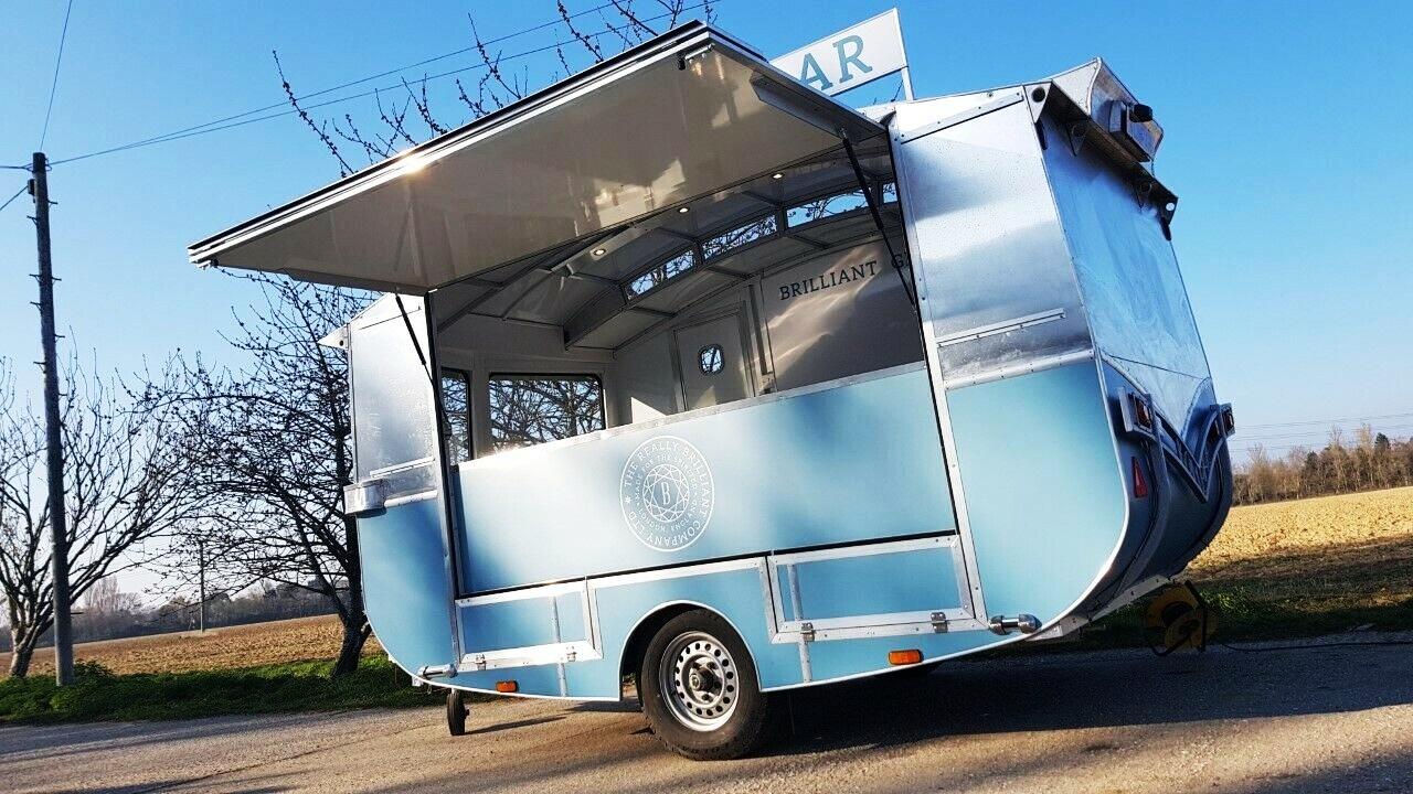 exhibition+trailer+%7C+retro+catering+unit