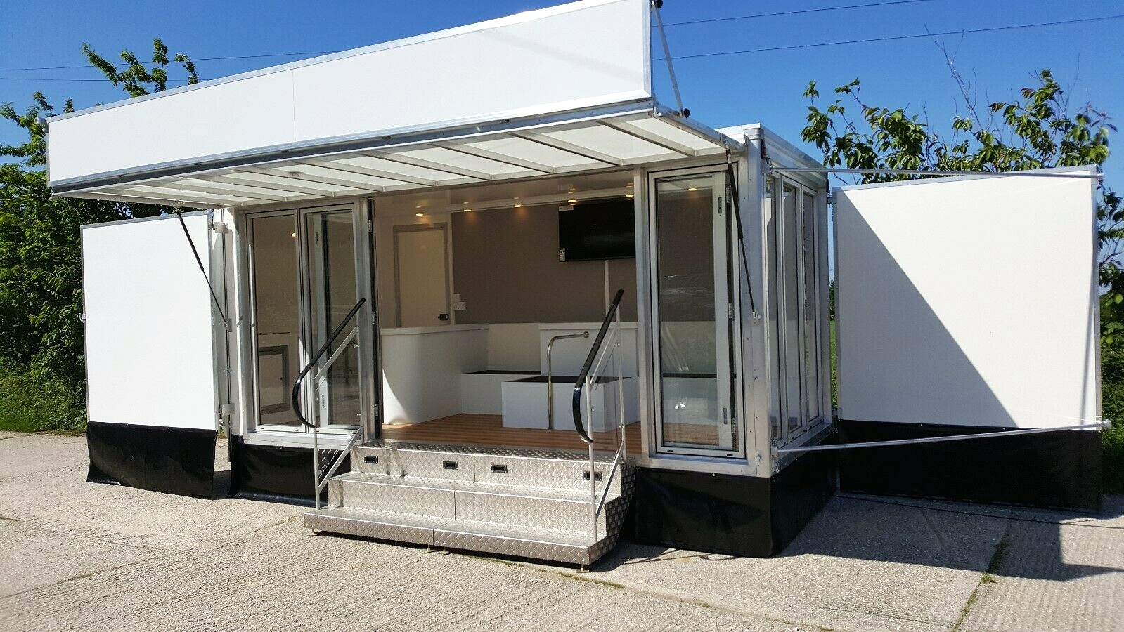 Exhibition trailer | retro catering vehicle  | event display mobile
