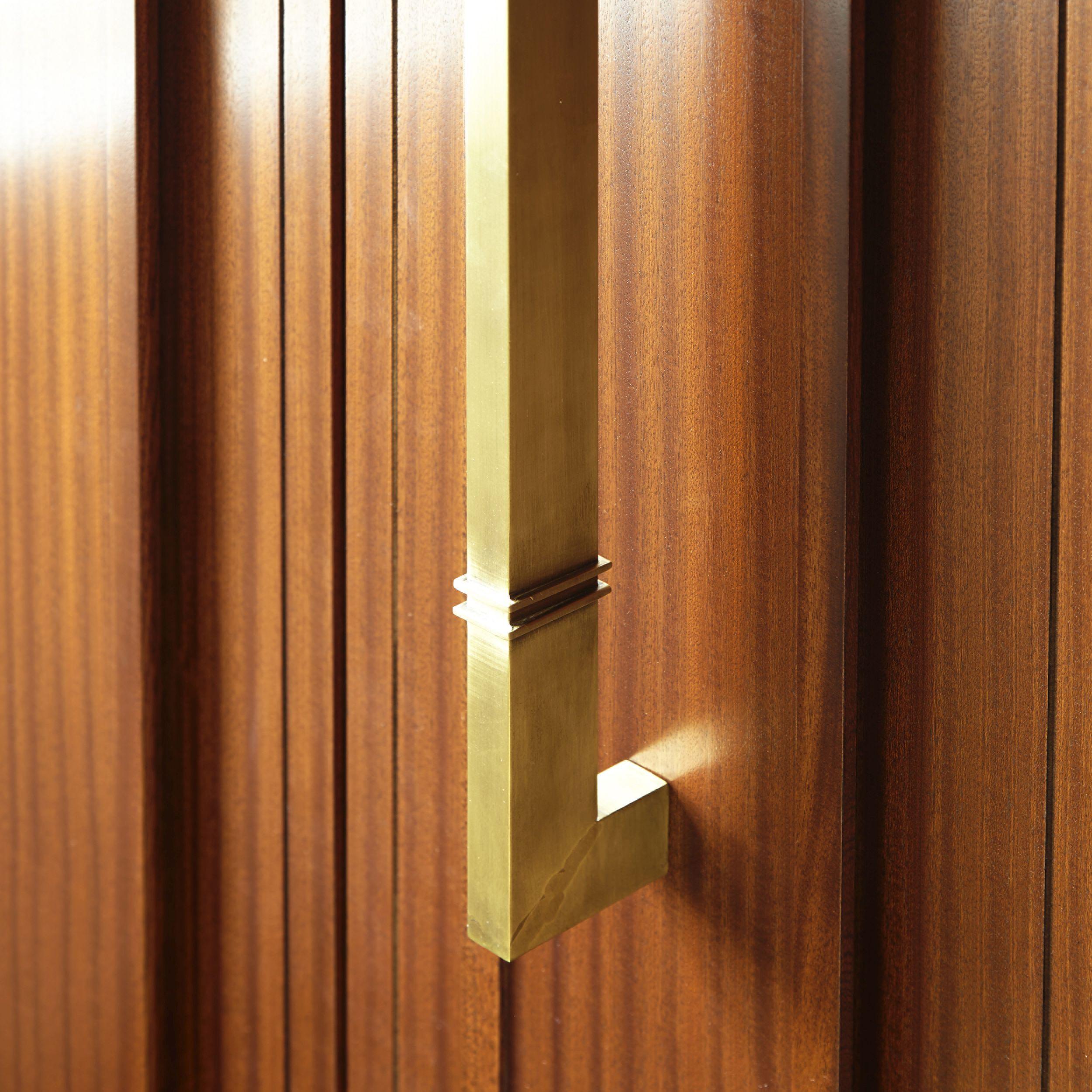 24_Rudenstine hardware detail_gold.jpg
