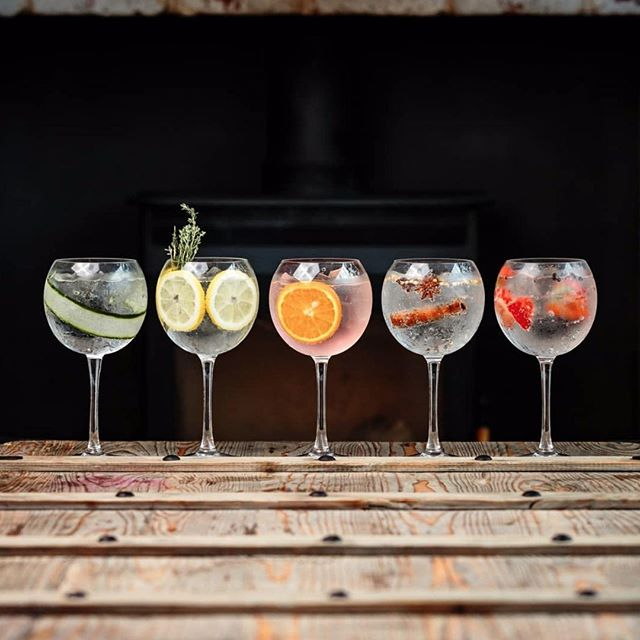 Why not combine Britain's favourite drink with your event? Not just as a tasty welcome cocktail yet also we can organise refreshing Gin Masterclasses to deliver fascinating history as well as the best way to enjoy an ice cold G&T! Cheers 🍸 content via sandymountwales #happyfriday #ginmasterclass #ginexperts #eventprofs . . . . #ukevents #eventprofsuk #londonevents #internationalevents #internationalparties #shesaidyes #partiesabroad #londonparties #privateevents #corporateevents #summerparties #themedparties #milestonebirthdays #luxuryparty #luxurywedding #weddingplanning #engagementparty #londonsupplier #allthedetails #exceptionalparties #partyplanner #eventdesign #eventcreation
