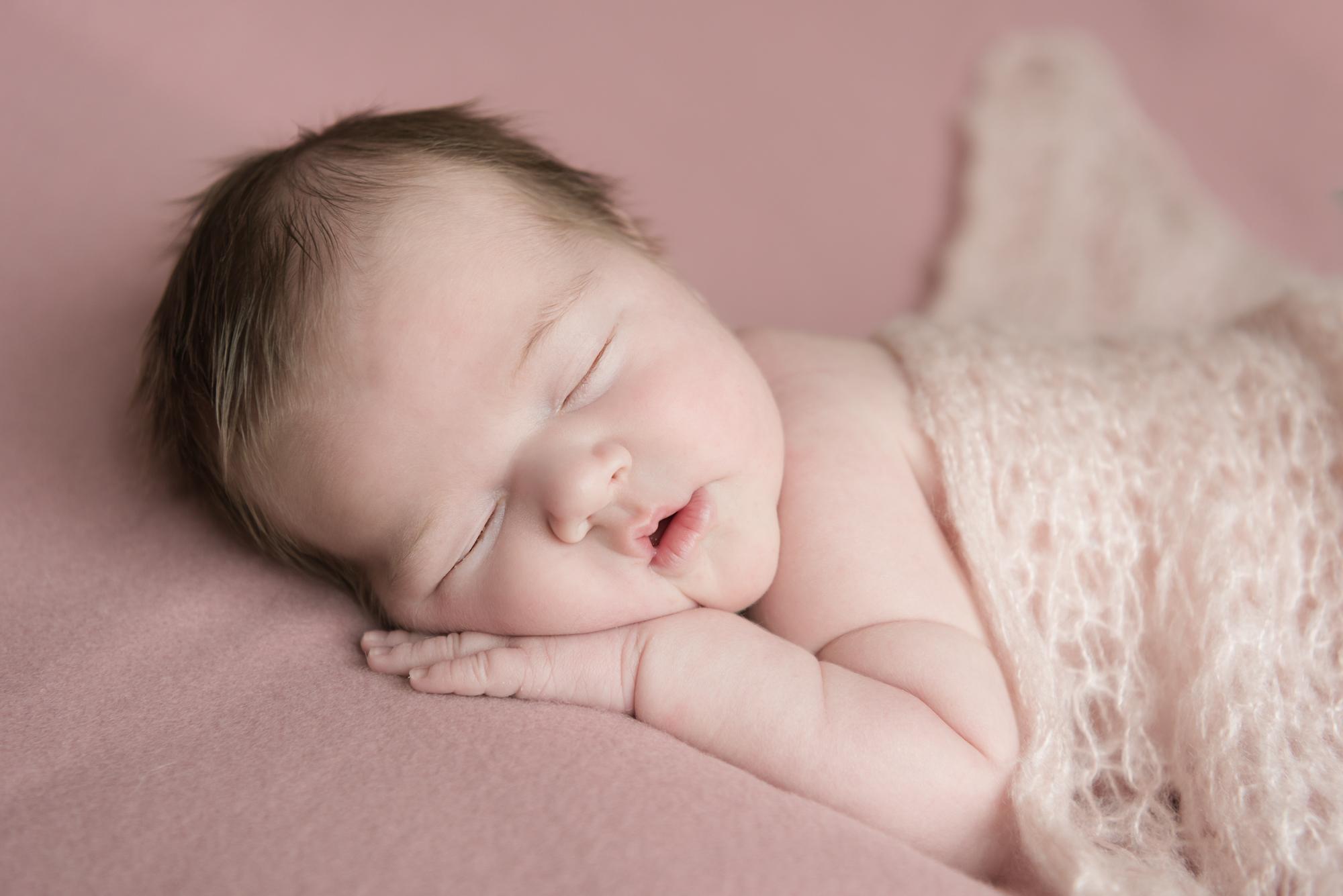 110-Nyfødt_famile_kjærlighet_glede_baby.jpg