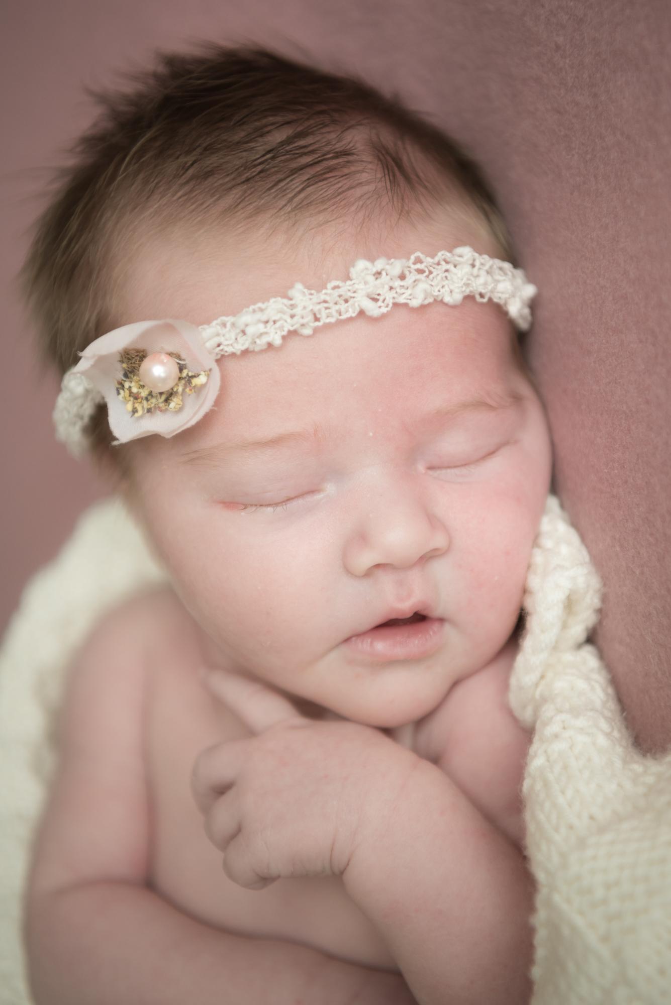 111-Nyfødt_famile_kjærlighet_glede_baby.jpg
