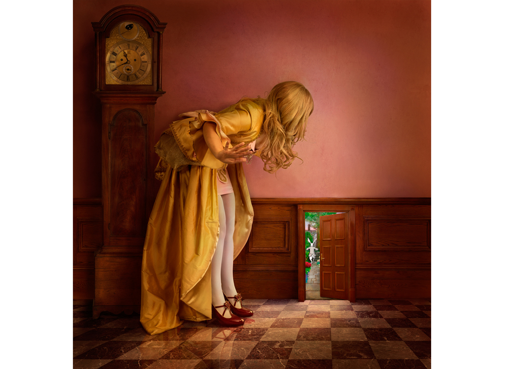 Daniel_Kneebone Alice and the Little Door.jpg