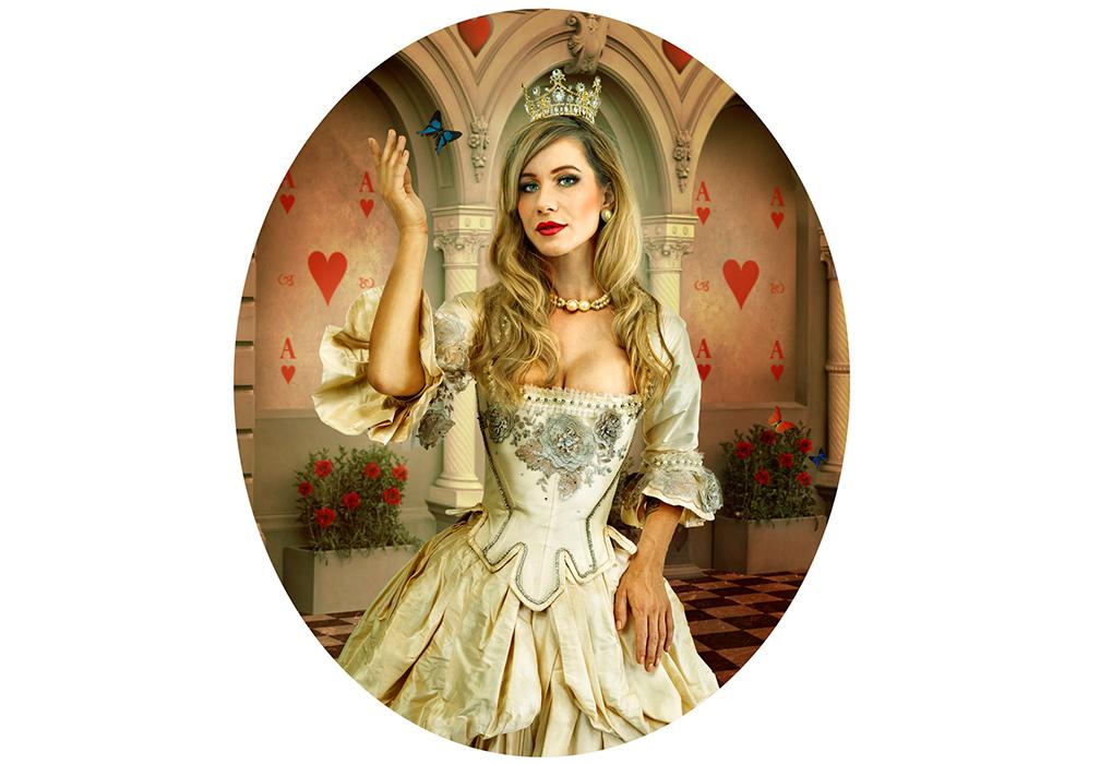 D_Kneebone_White Queen_Alice-ism_Web.jpg