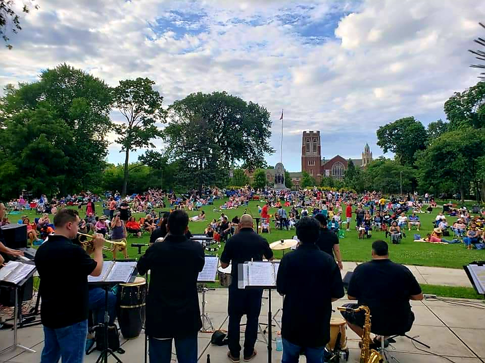Crowd Pic at Oak Park Summer Series July 2019.jpg