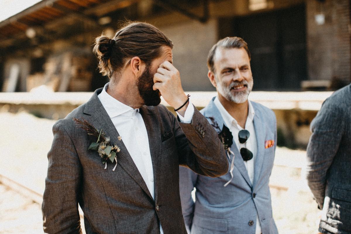 groom tearing up