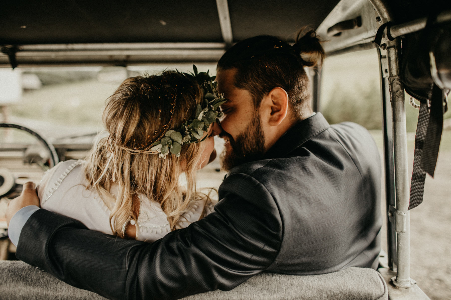 kissing inside the land rover