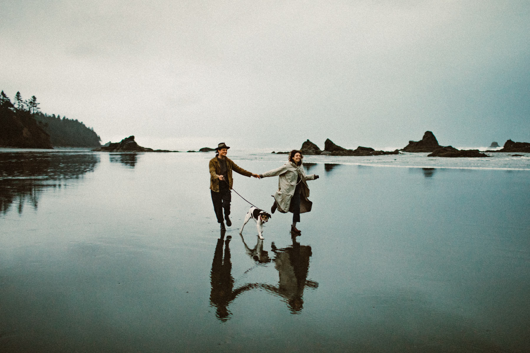 ruby-beach-1924us-engagement-photos-5.jpg