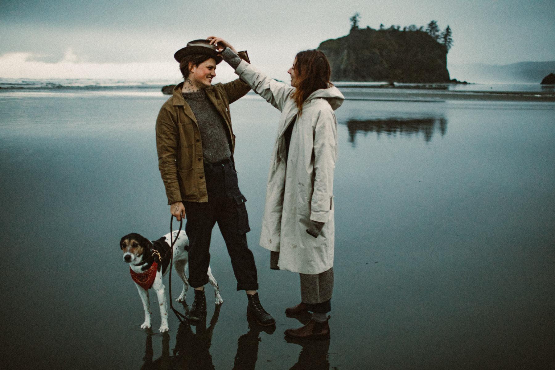ruby-beach-1924us-engagement-photos-13.jpg
