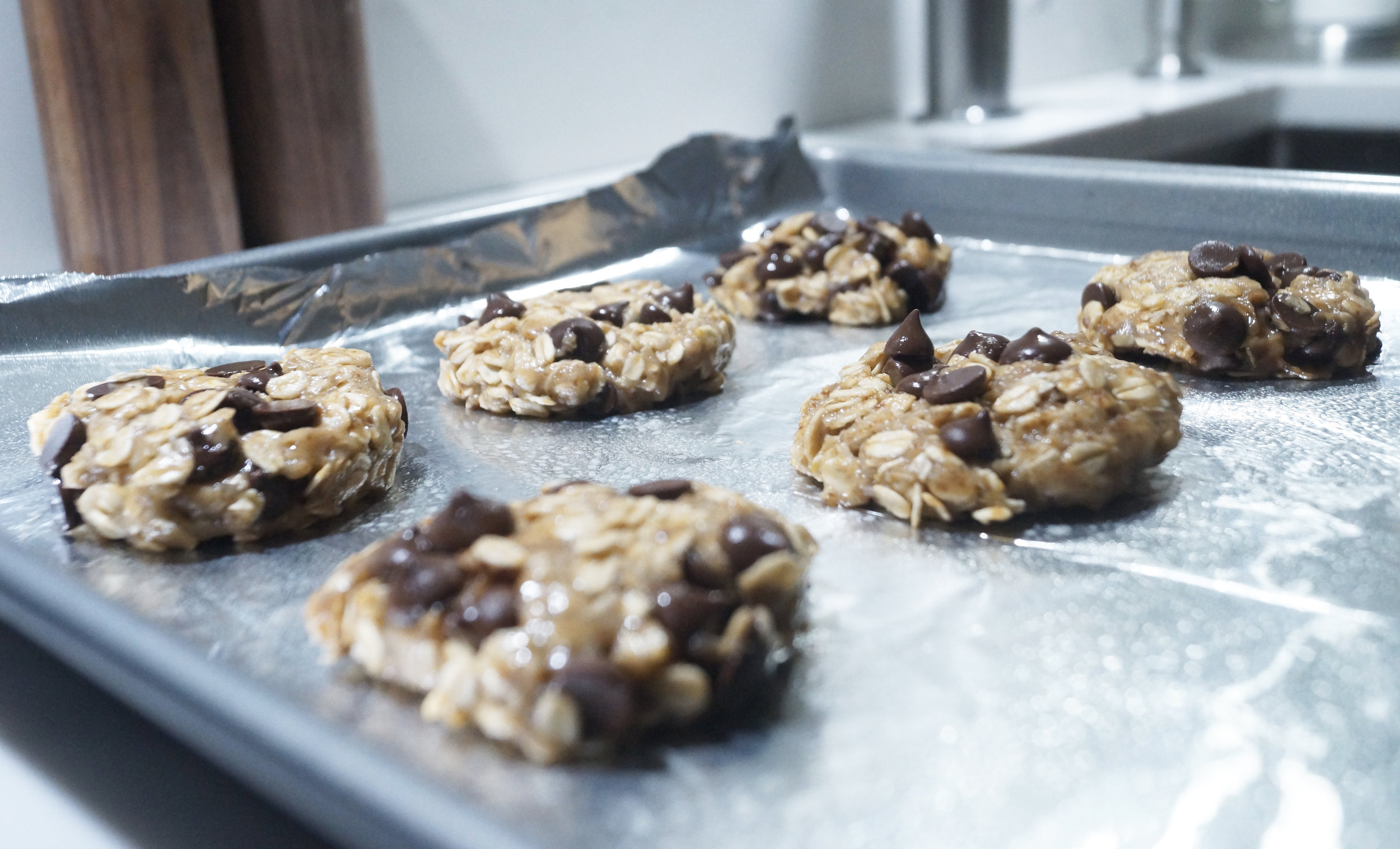 Flatten out your cookies to the extent as seen above. You can also leave them a little rounder on top.
