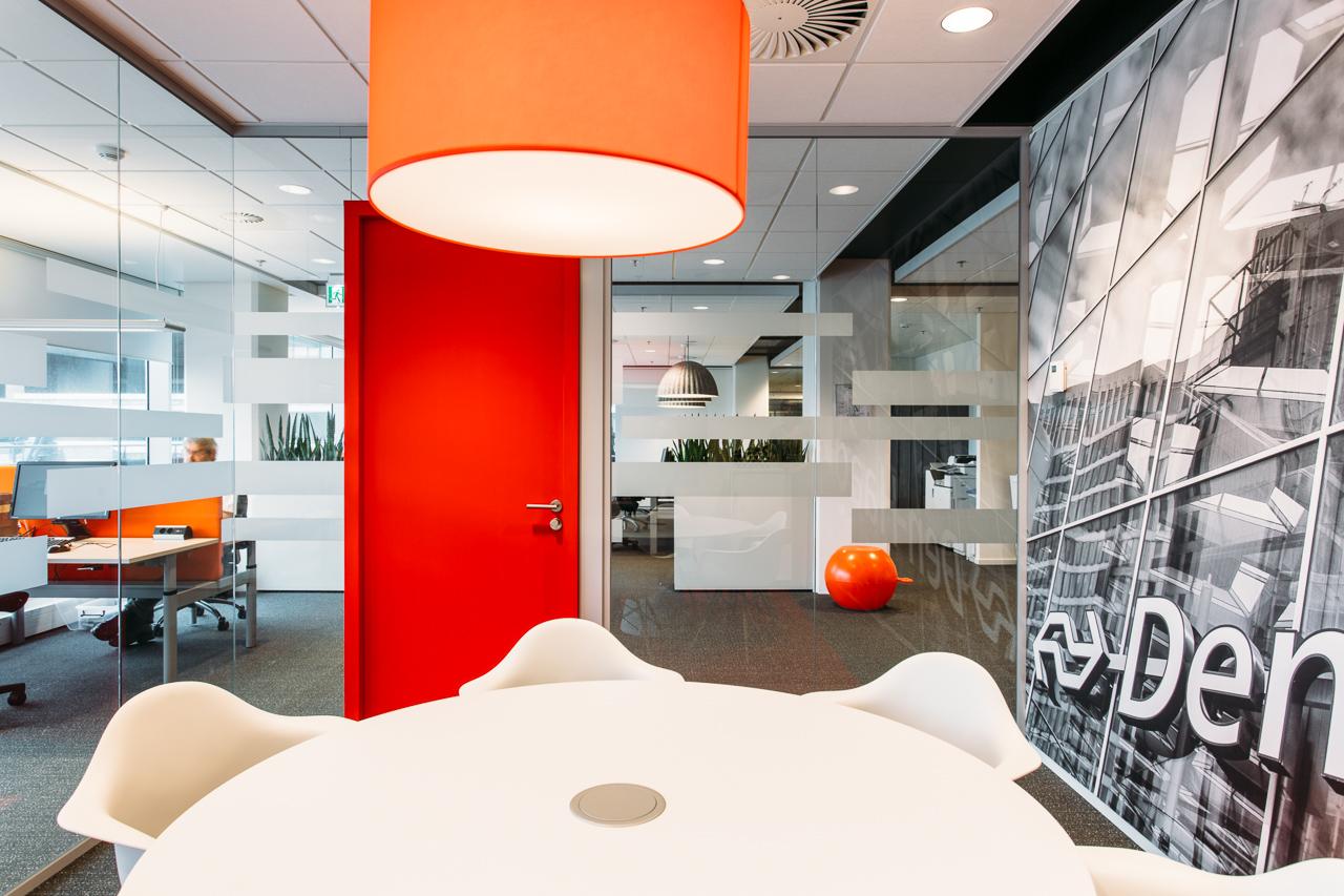 NSr Den Haag - In 2014 is dit kantoor voor NS Reizigers Den Haag geopend, het was de pilot voor NS op het gebied van 'Het Nieuwe Werken' (NS Next).