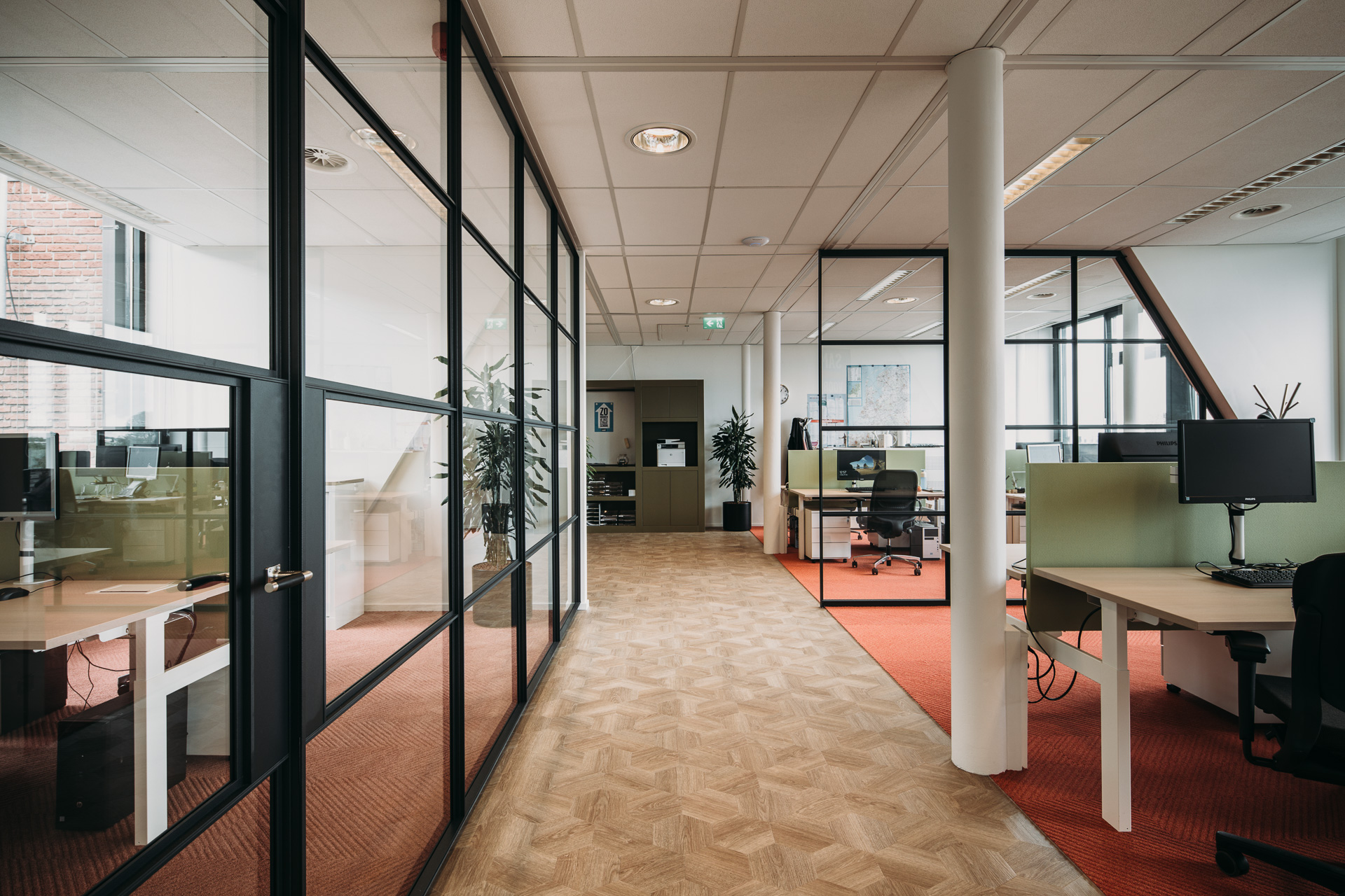 Nederland Schoon - Samen met Honkkwadraat realiseerde LISA in 2017 het nieuwe kantoor van Nederland Schoon in het monumentale Bylandt Huis in Den Haag (Turn key).