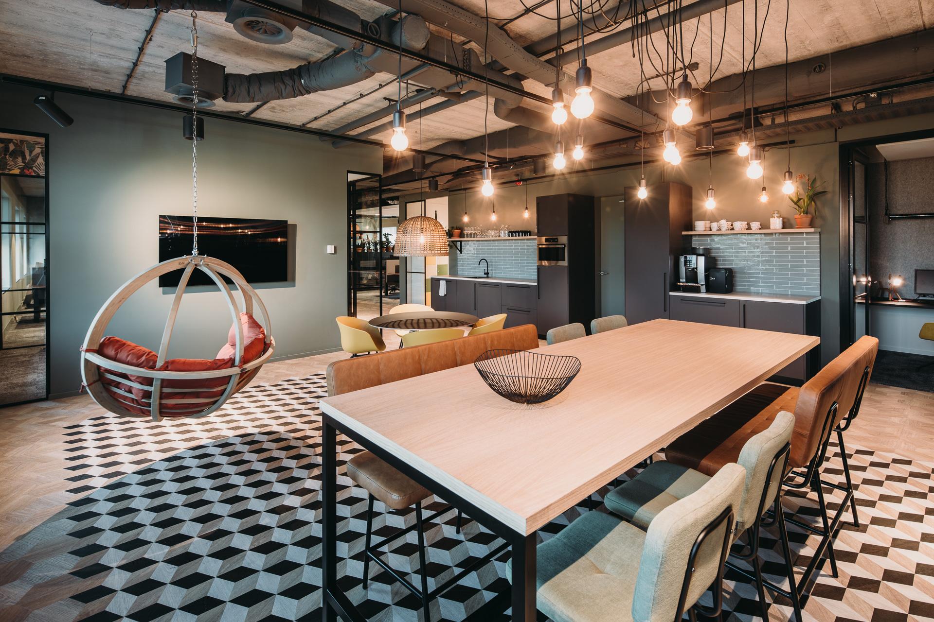 Petplan - Dierenverzekeraar Petplan verhuisde medio 2018 naar de 1e verdieping van het Quarter Podium in Amsterdam Sloterdijk. Een gedroomde opdracht voor LISA; van A tot Z zijn we in het proces betrokken geweest!