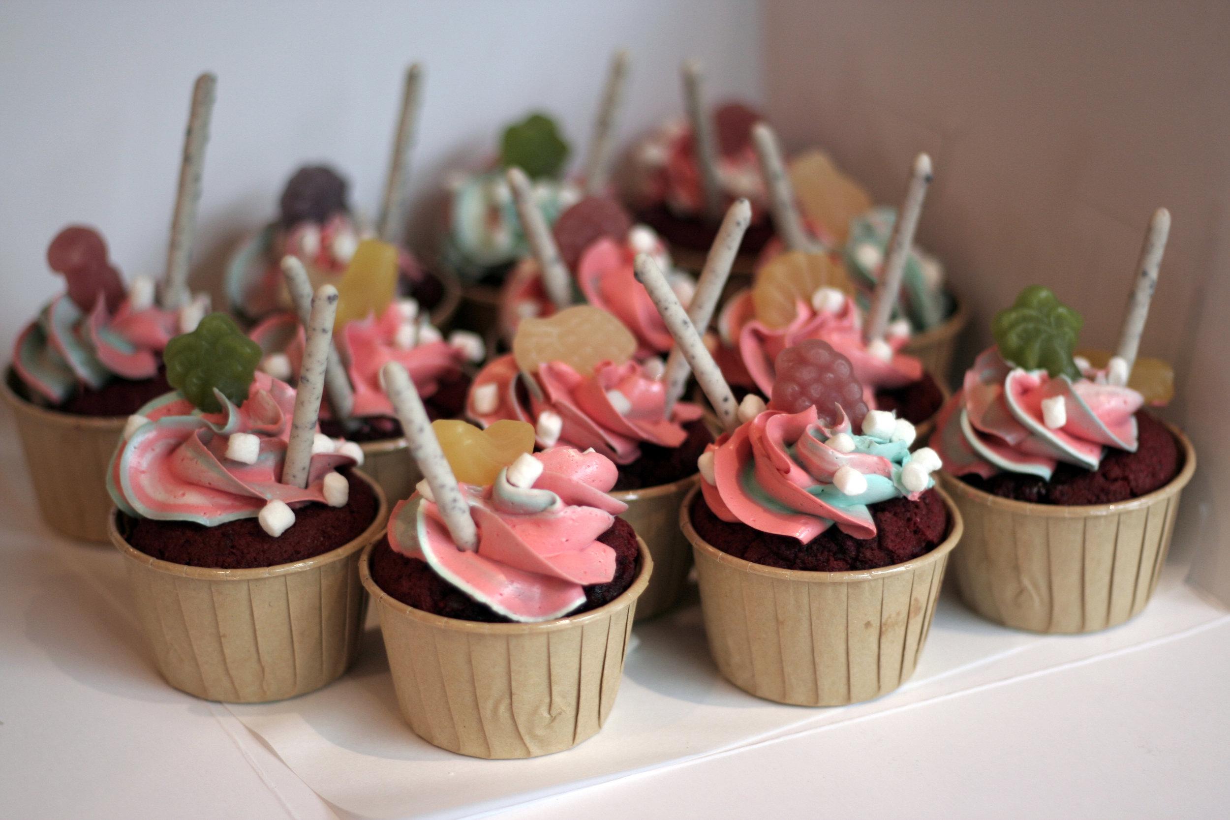 HTSP_CUSTOMISED_cupcakes01a.JPG