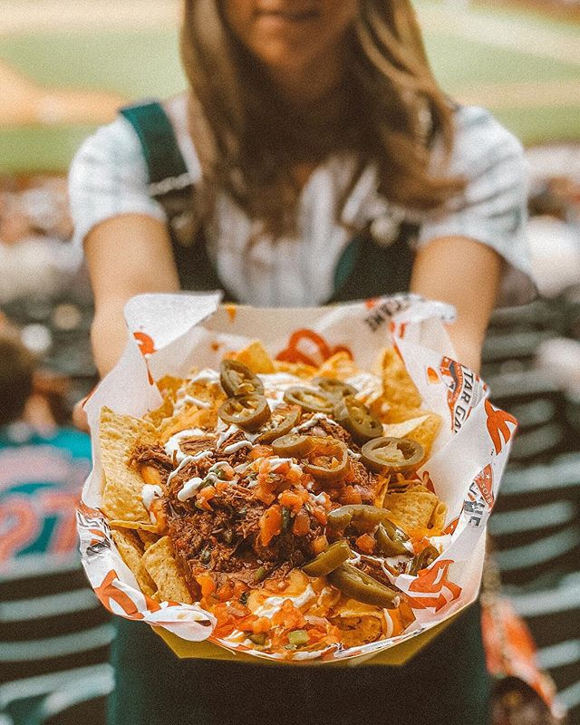Got my mind on the nachos & the nachos on my mind 😍 I've been craving more since Thursday's @cubs @nationals game and have yet to find some knockout nachos here in the DC/NoVA area -suggestions?!? • • • • • #foodblogger #foodphotographer #foodvsco #tastingtable #f52grams #yahoofood #ttinsider #huffpotaste #eaterchicago #foodie #eeeeeats #likefoodus #devourpower #instafood #spoonfeed #nachos #chicagocubs #cubsfan #nationals #washingtonnationals #carnitas #dcphotographer #dcblogger #dcstyle #dcfashion #arlingtonva #alexandriava #dcfoodie #dcfood #dclife