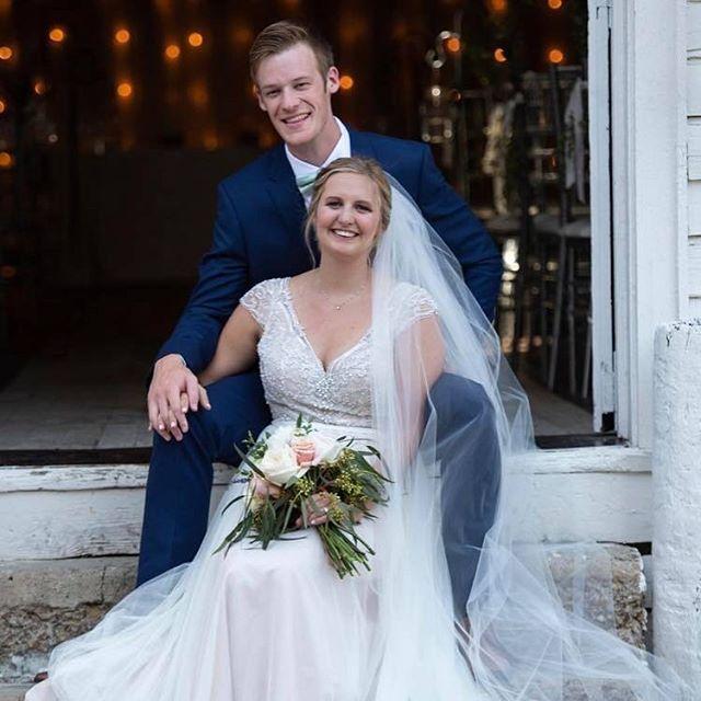 Reminiscing on this sweet wedding of Ferrum alums!! #srrbride #roanokewedding #roanokevalley