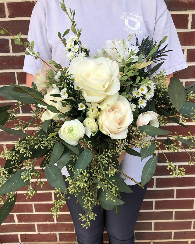 Who said bridesmaids bouquets have to be small?! #srrbride #bridesmaidsflowers #charlottesvillewedding