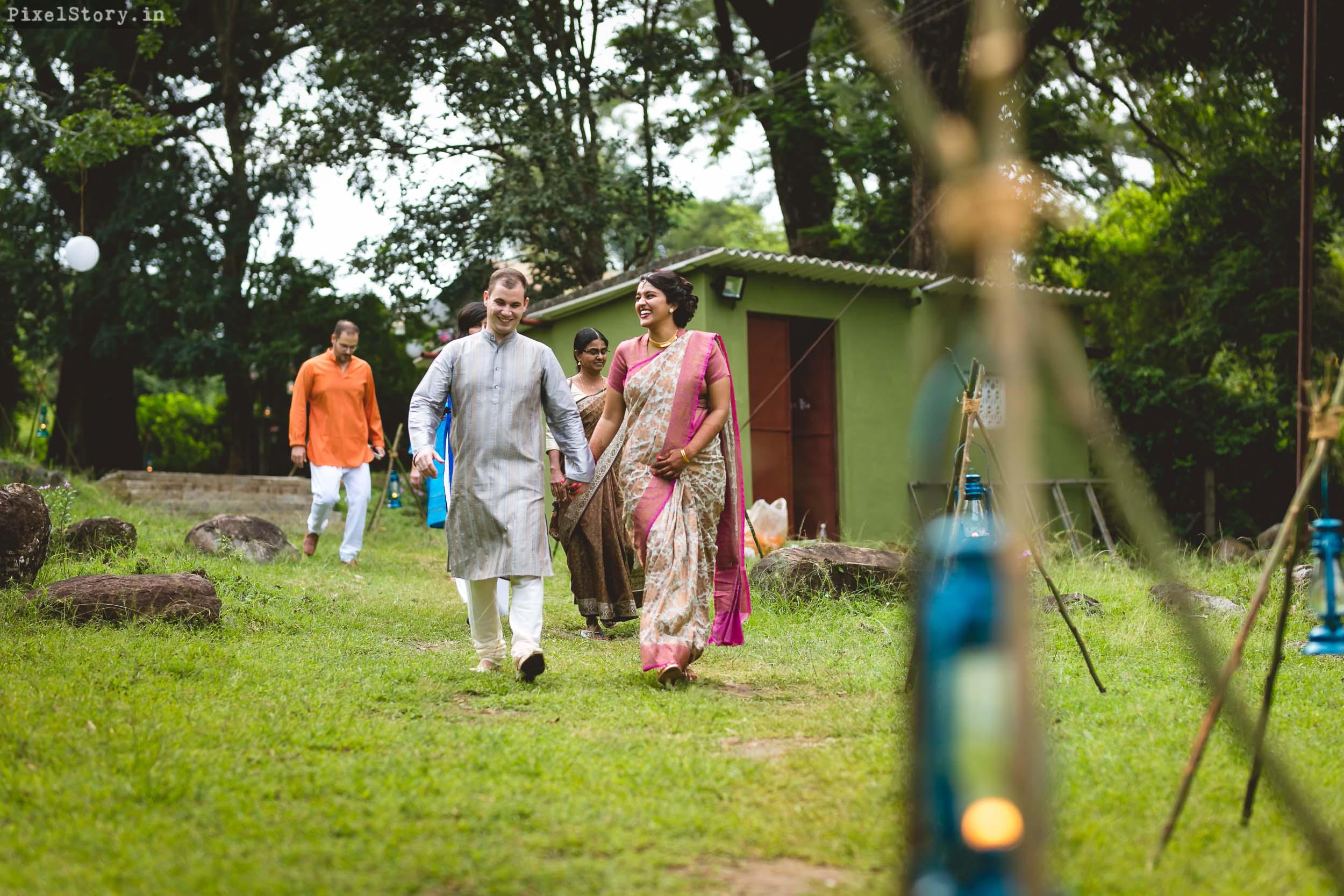 PixelStory-Jungle-Wedding-Photographer-Masinagudi-Indo-French002.jpg