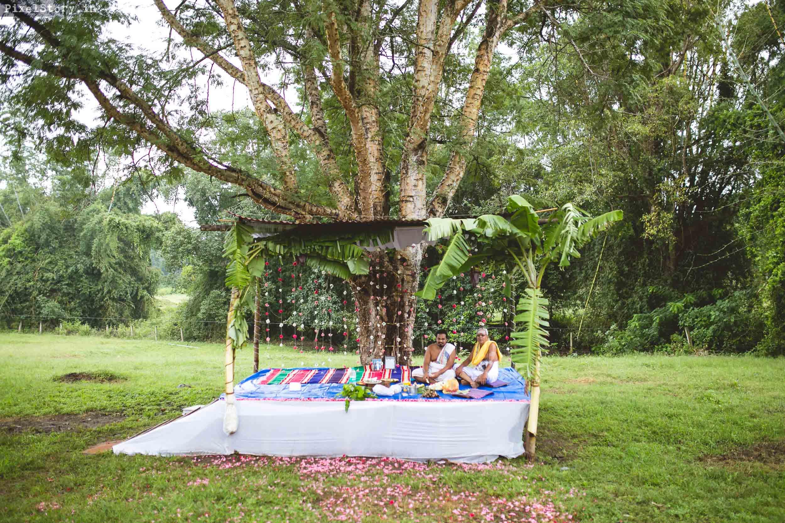 PixelStory-Jungle-Wedding-Photographer-Masinagudi-Indo-French024.jpg