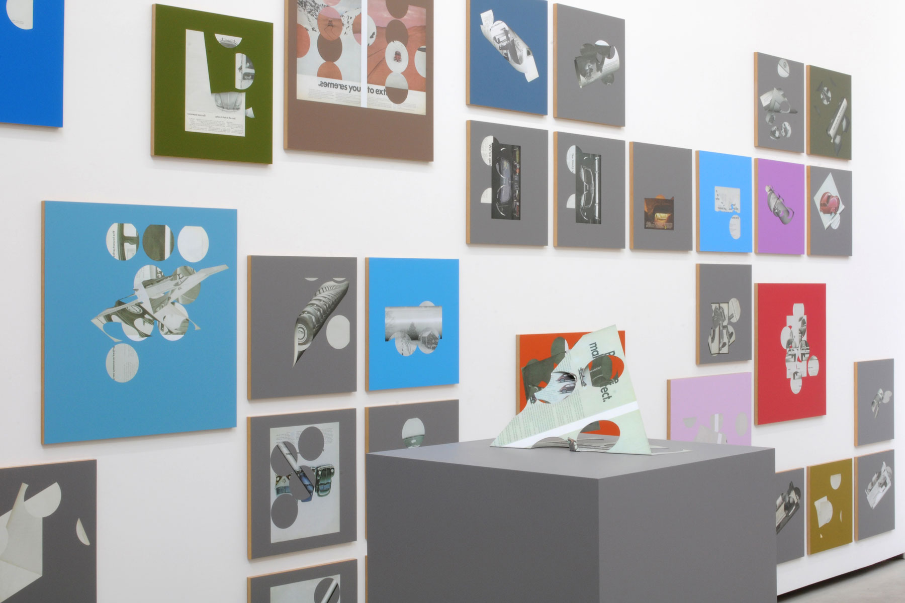 Kelley-Walker_Catherine-Bastide_2012_exhibition_Brussels_14.jpg