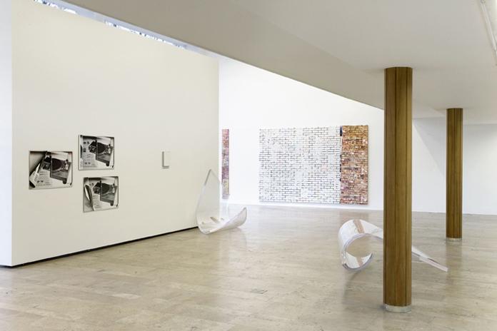 Kelley Walker, Capitain Petzel gallery, Berlin, 2009, exhibition view