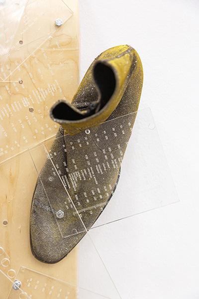 Jurgen Ots Hertz 2019 Yves Saint Laurent shoes, transmit plates, plexiglas, screws, skateboard Variable dimensions  Detailju