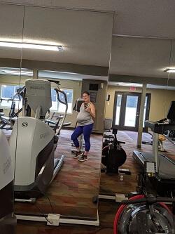 Gym full body photo in mirror