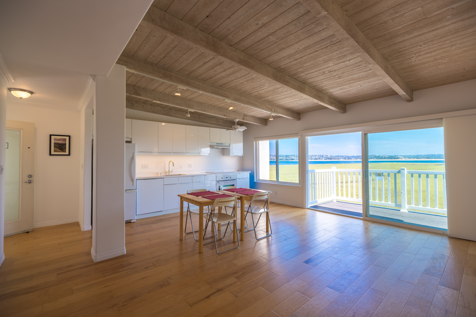 3999 Crown Point Dr #32 | Pacific Beach | $745,000 SOLD!