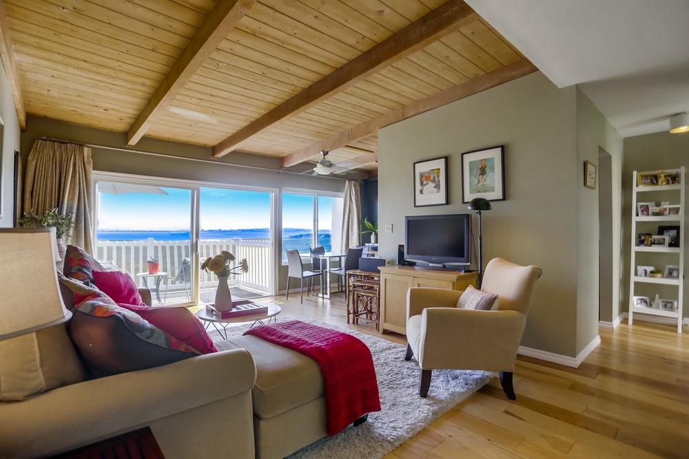 3997 Crown Point Dr #34 | Pacific Beach | $749,900