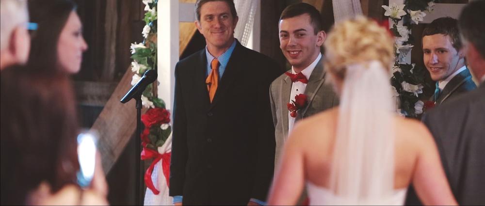 round-barn-wedding-ceremony.jpeg
