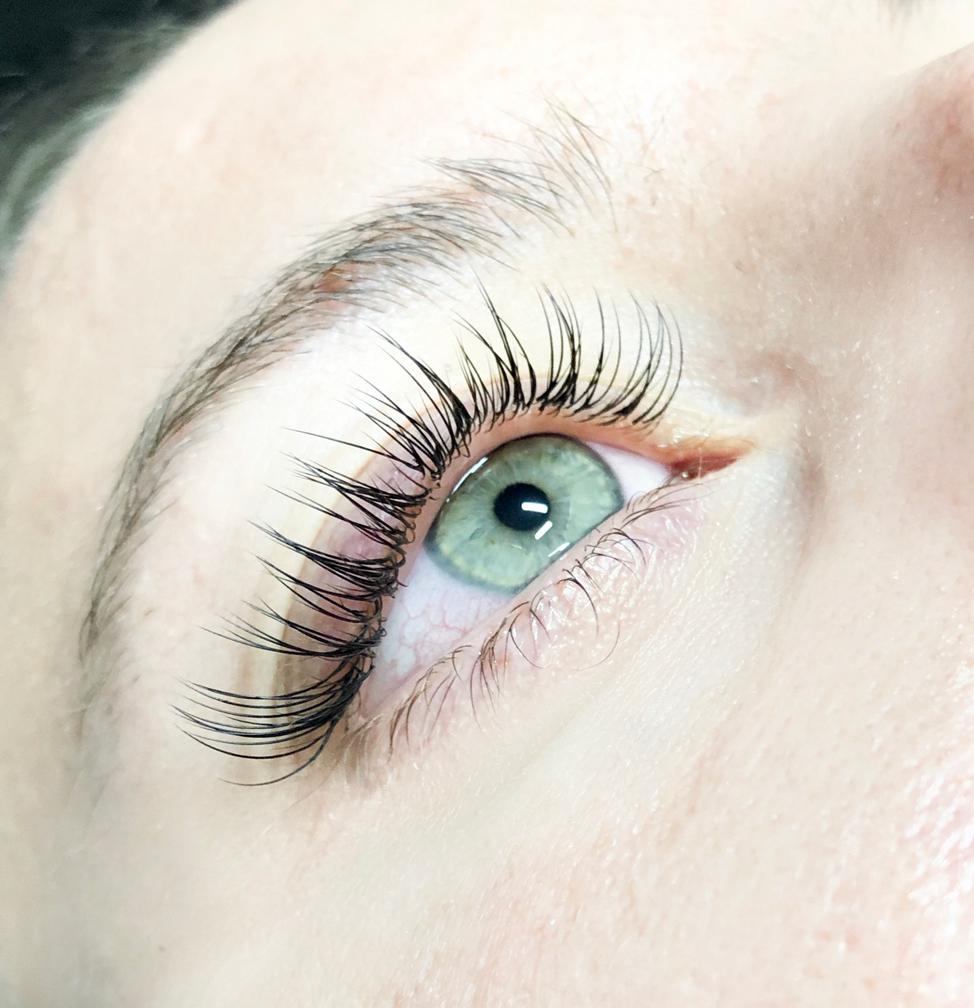 classic-eyelash-extensions-garnet-lash-studios.jpg