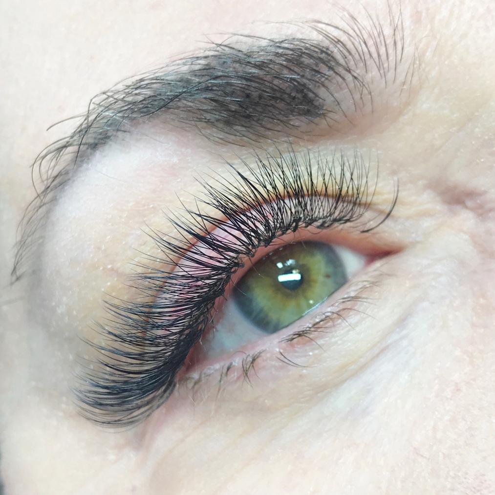 volume-lashes-blog.jpg