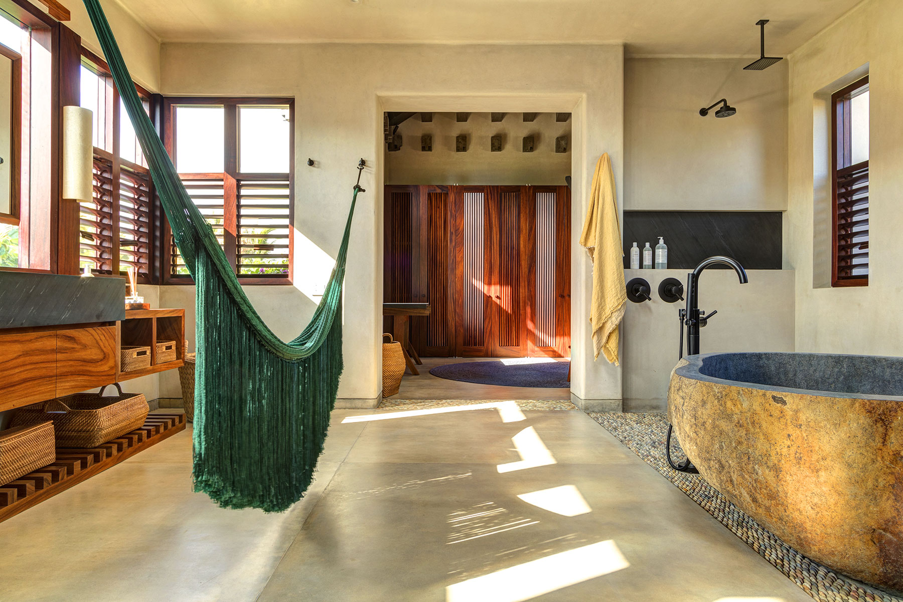 Luna master bathroom