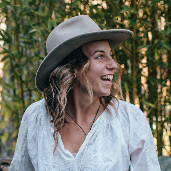 Episode 087 - The Forest Bathing Club with Julia Plevin
