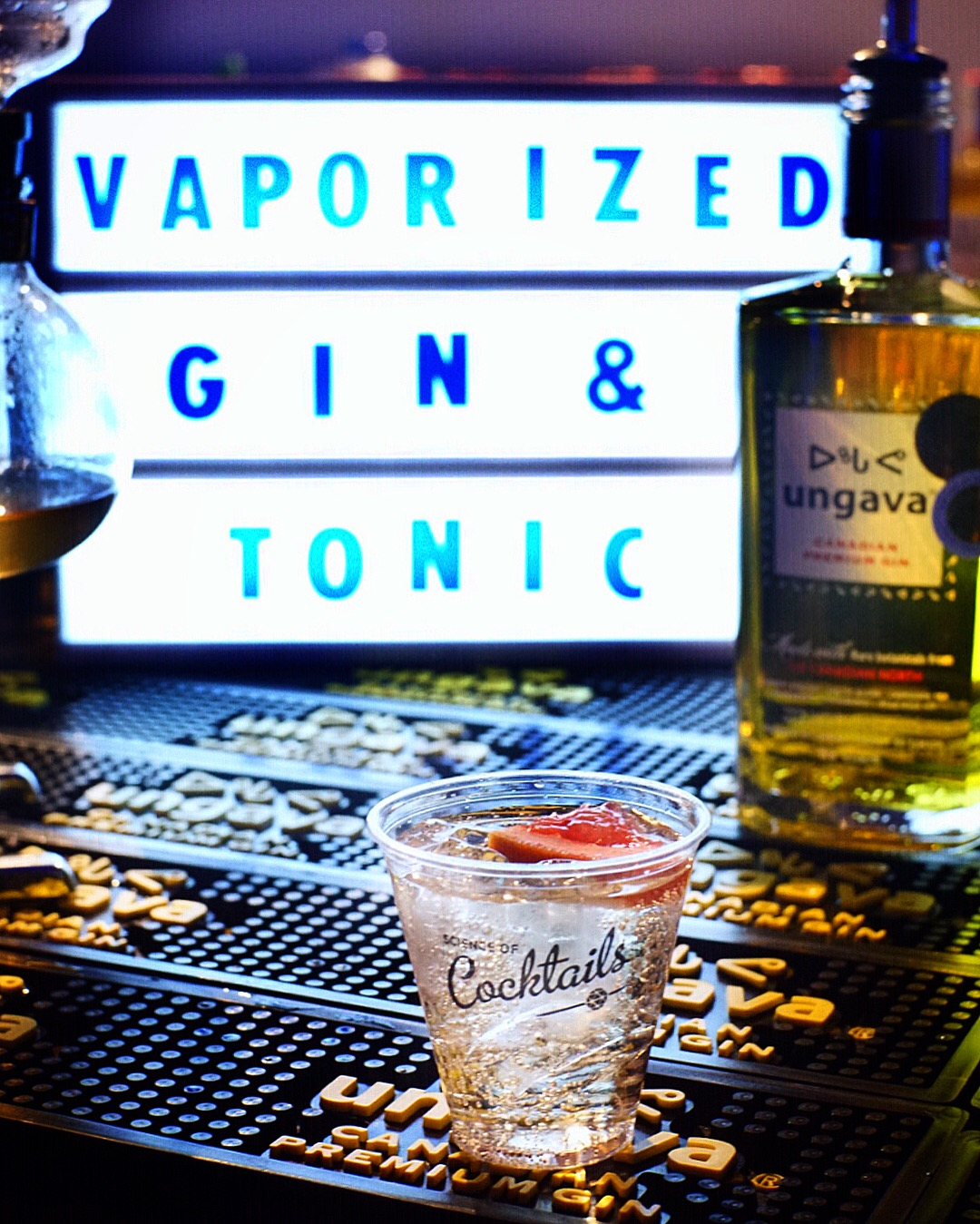 Vapourized Gin & Tonic: Ungava gin, grapefruit juice, soda, Fentimans tonic water, grapefruit vapour
