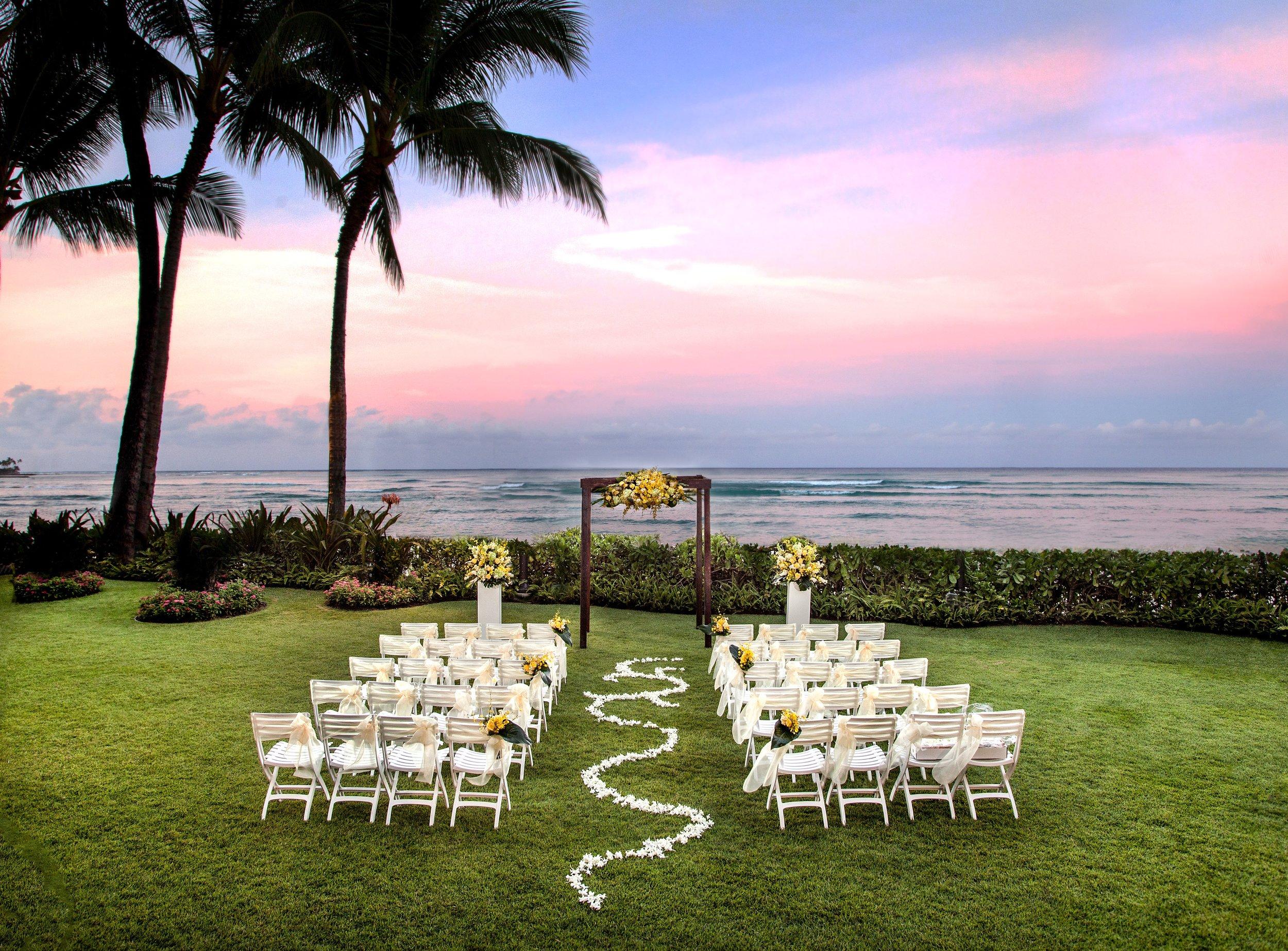 Oahu-Destination-Wedding-Moana-Surfrider-2.jpg