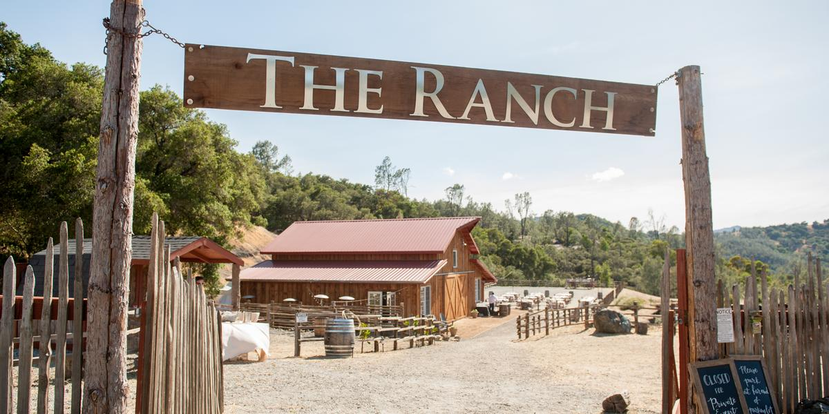 10-of-Our-Favorite-Farm-Wedding-Venues-in-the-U.S.-00011.jpg