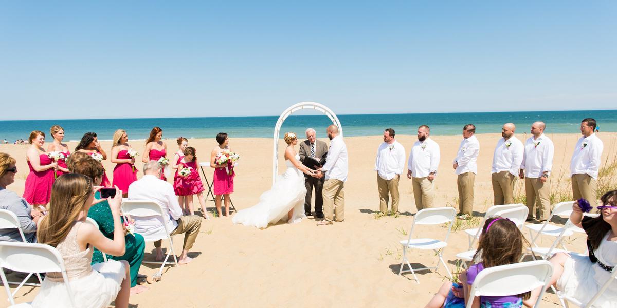 10-of-Our-Favorite-Waterfront-Wedding-Venues-in-the-U.S.-00008.jpg